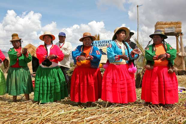 ANDEAN WOMEN