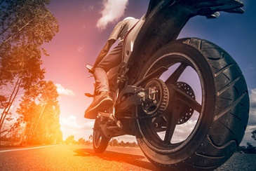 The_best_tires_for_Motorcycle_tours_in_India_with_MotoDiscovery_and_Motor_Manner.jpg